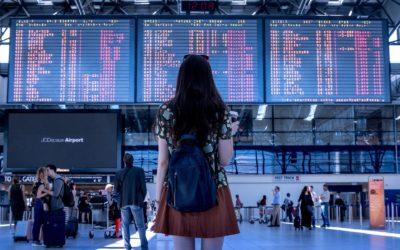 Restrizioni policy bagagli a mano in aereo